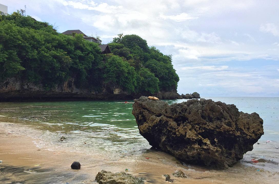 Пляж Паданг-Паданг, Бали