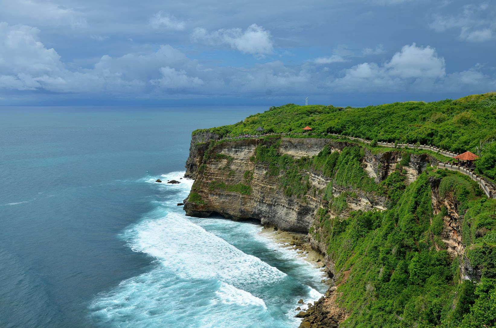 Вид на скалы Улувату, Бали