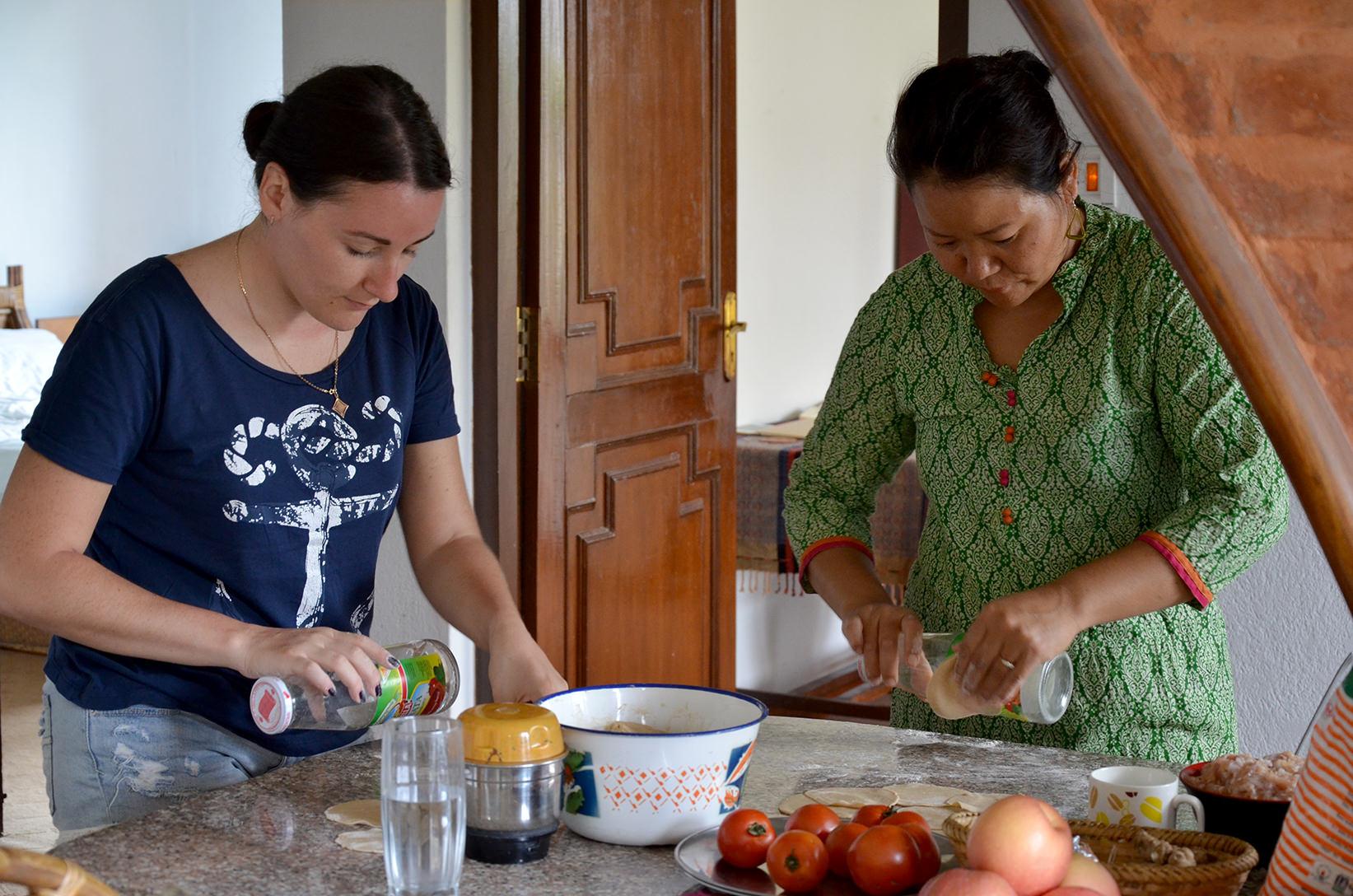 Тесто для непальских момо