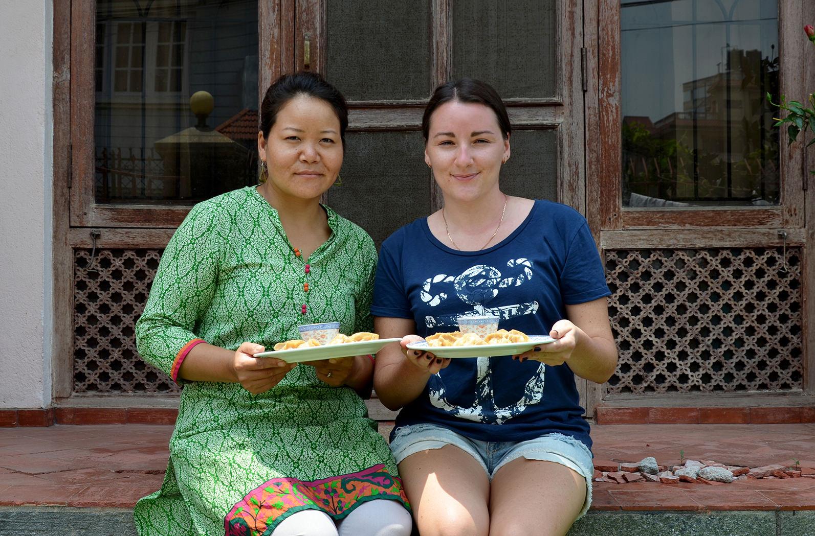 Приготовление непальских момо