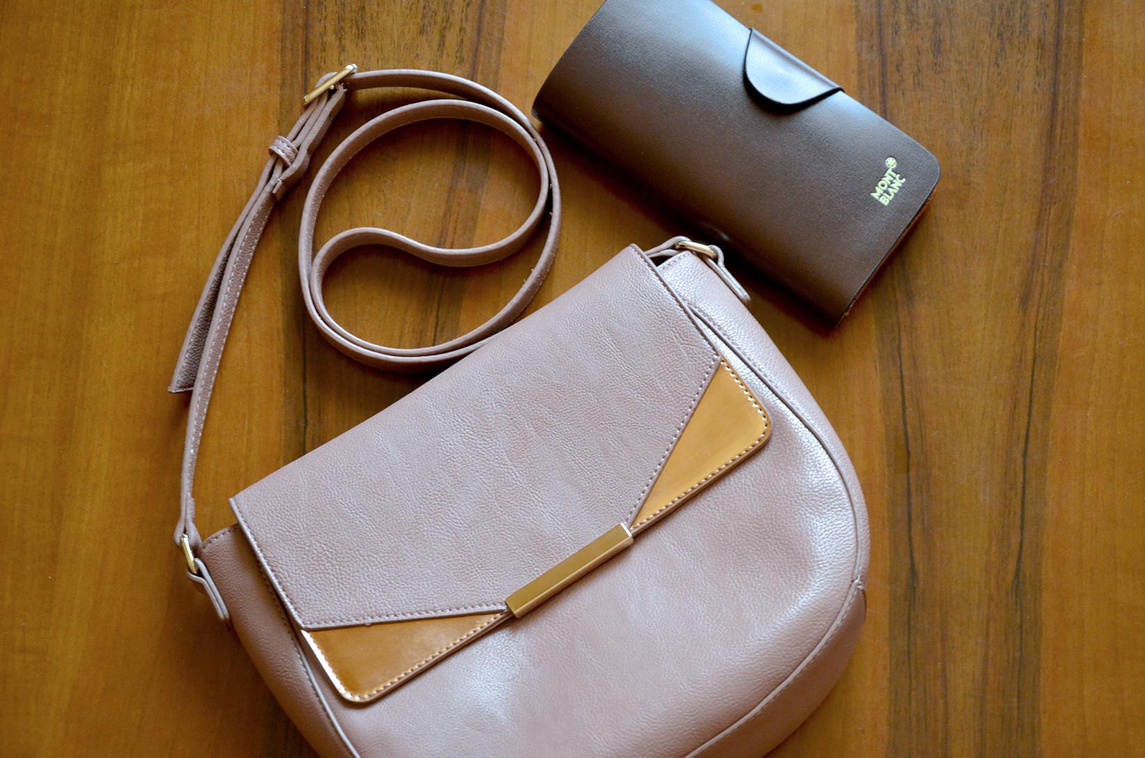 Обычная сумка через плечо из Дубаи и кошелек из рынка фэйков во Вьетнаме