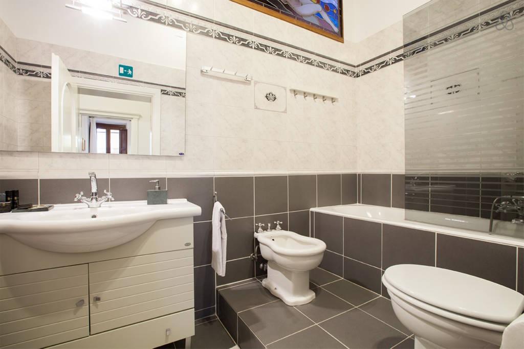 Ванная комната апартаментов L'Aurora al Colosseo