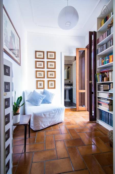 Библиотека апартаментов L'Aurora al Colosseo