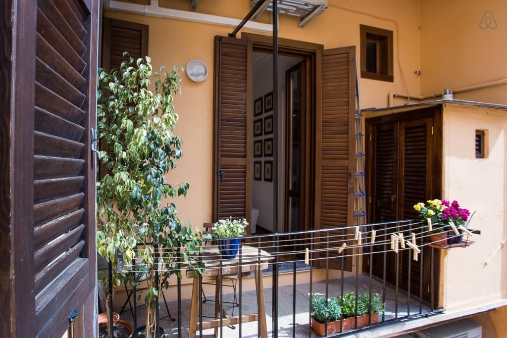 Балкон апартаментов L'Aurora al Colosseo