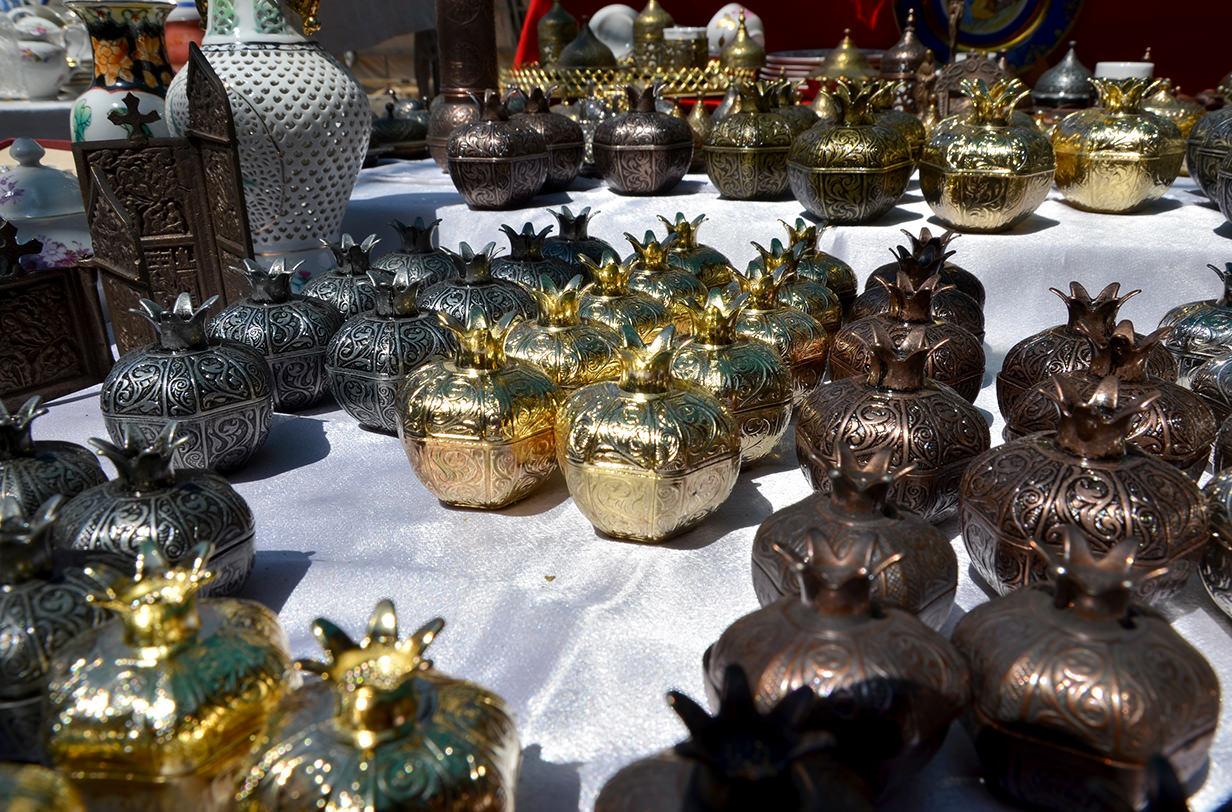 Блошиный рынок Еревана. Гранат