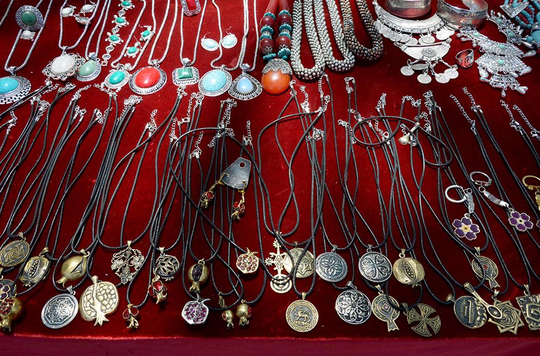 Блошиный рынок Еревана. Украшения