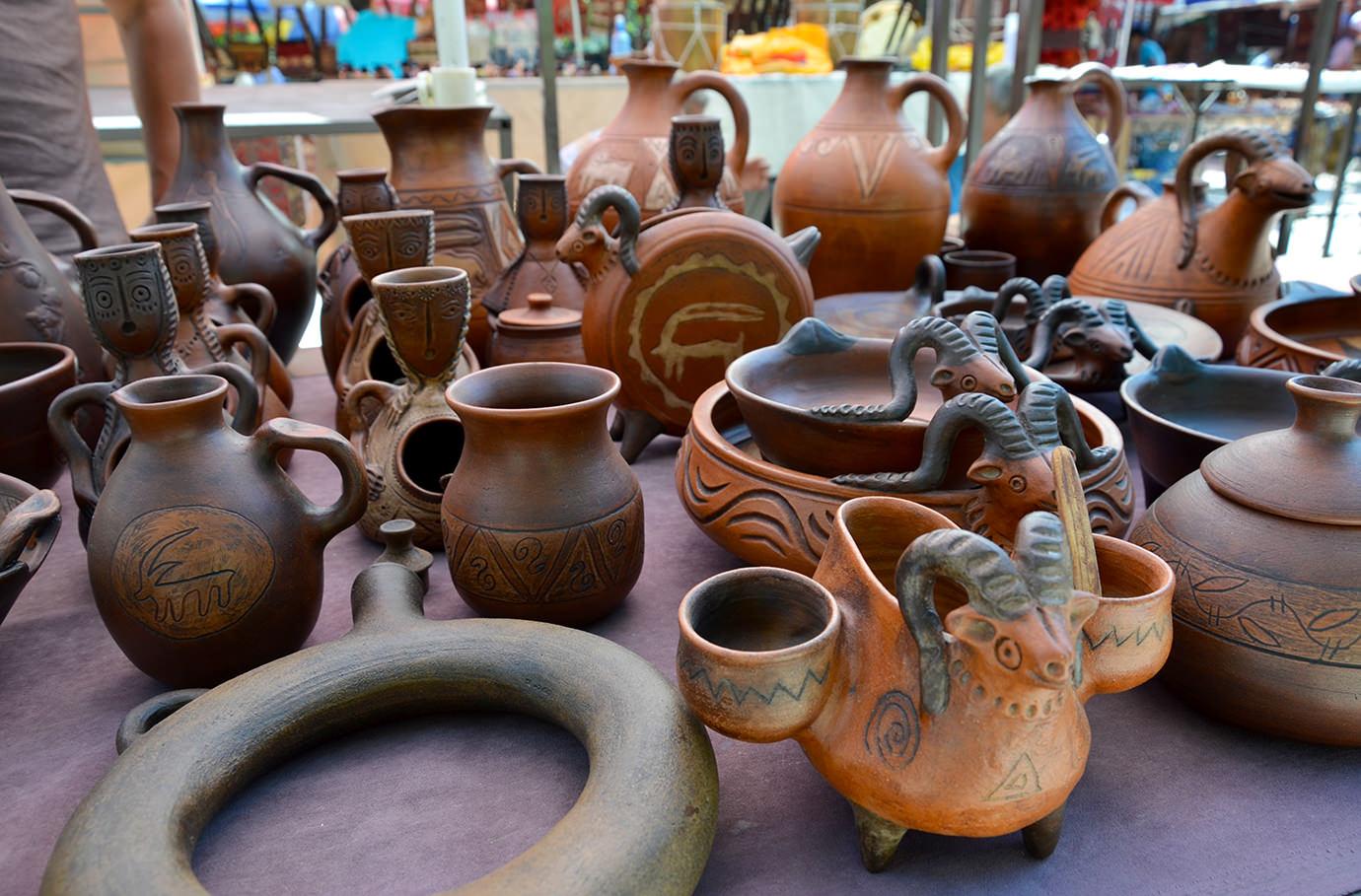 Блошиный рынок Еревана. Изделия из глины