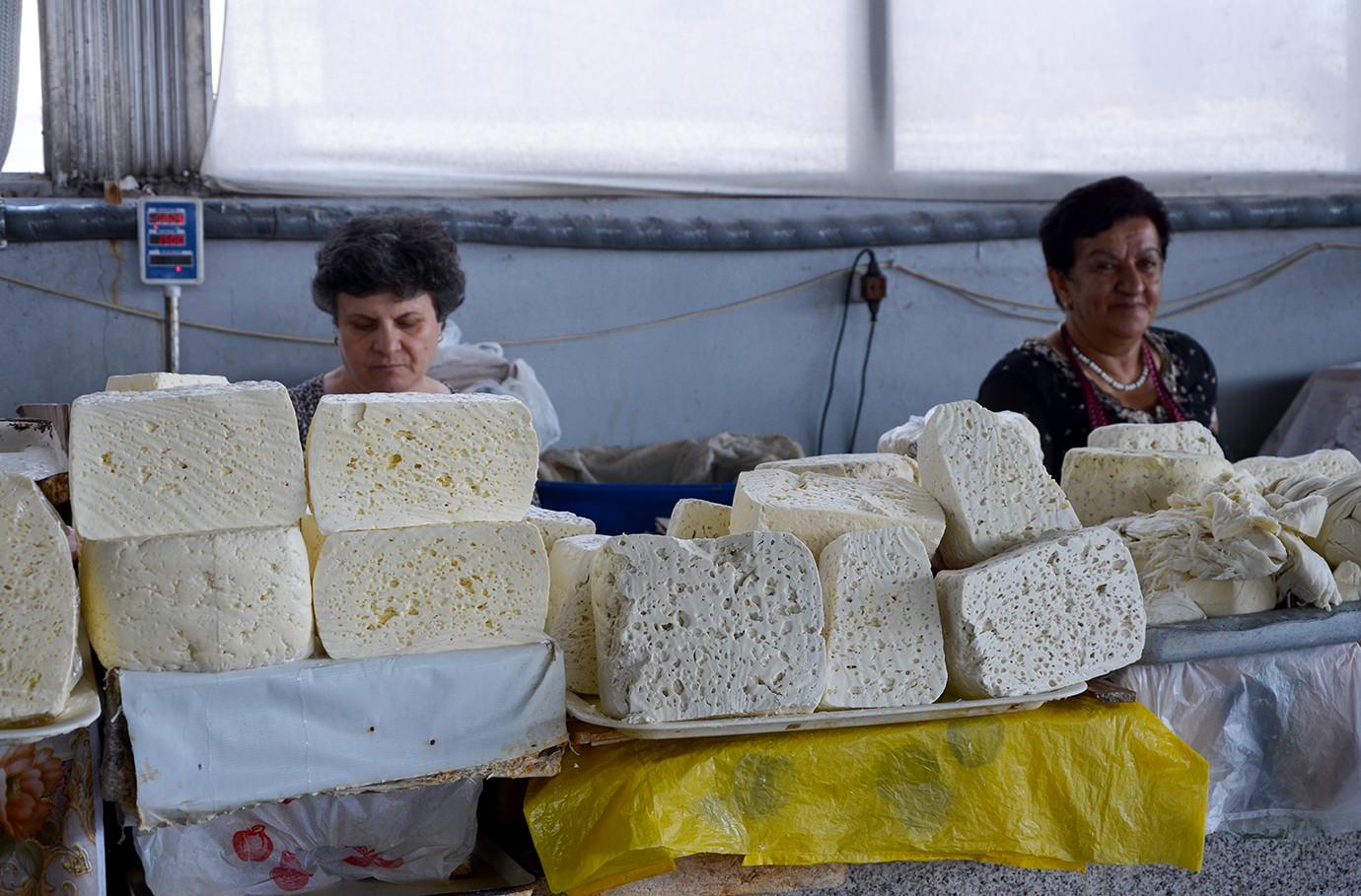 Сыр на ереванском рынке
