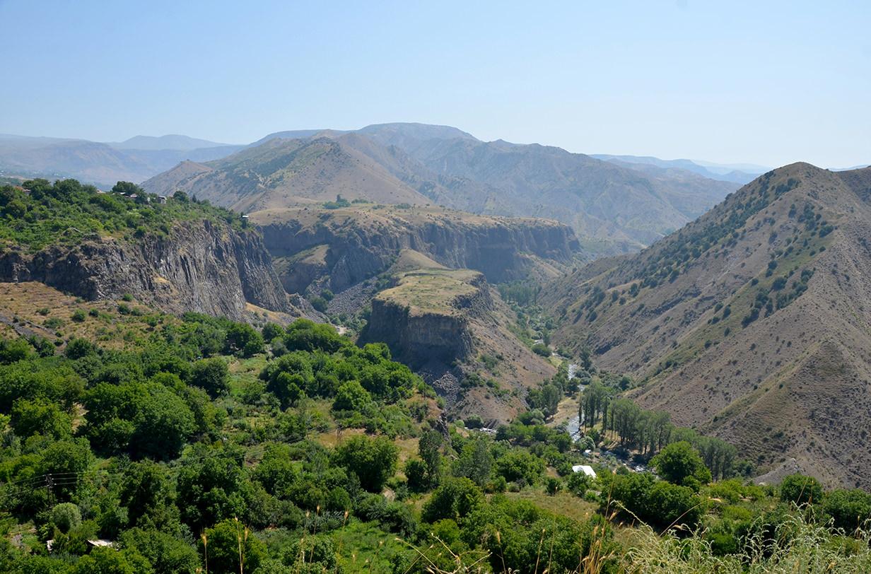 Вид из территории храма Гарни, Армения