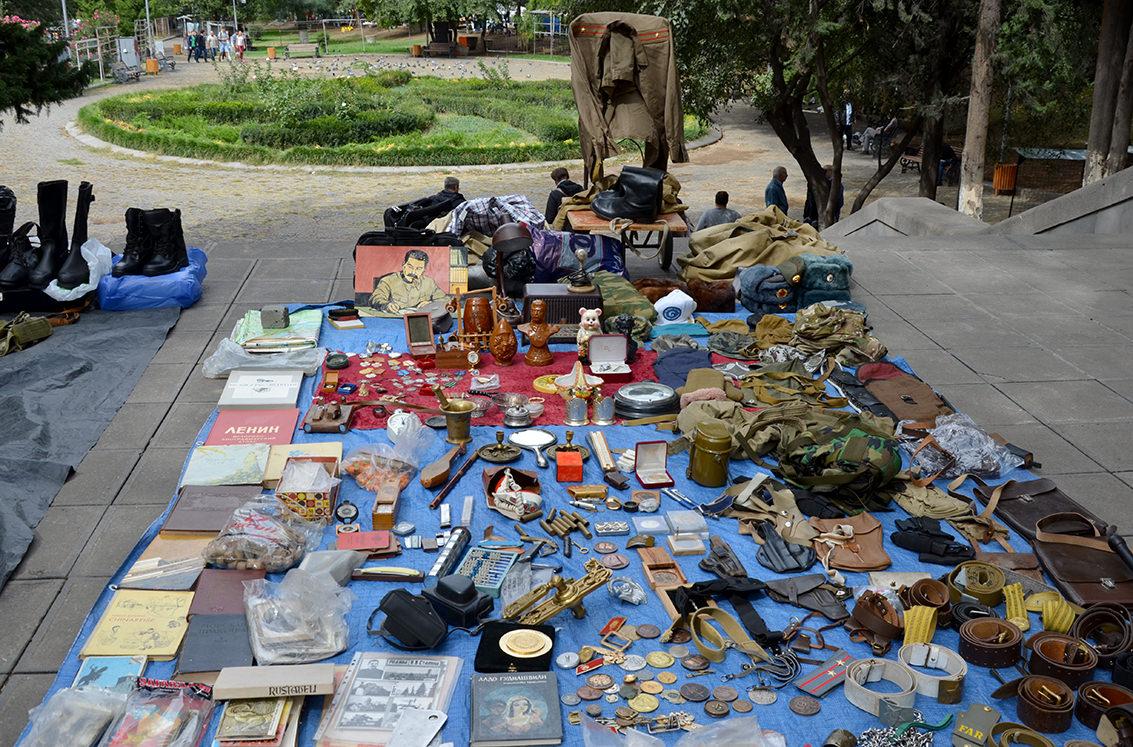Блошиный рынок Тбилиси или Сухой мост