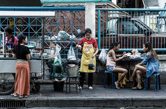 В Бангкоке с улиц уберут прилавки с едой