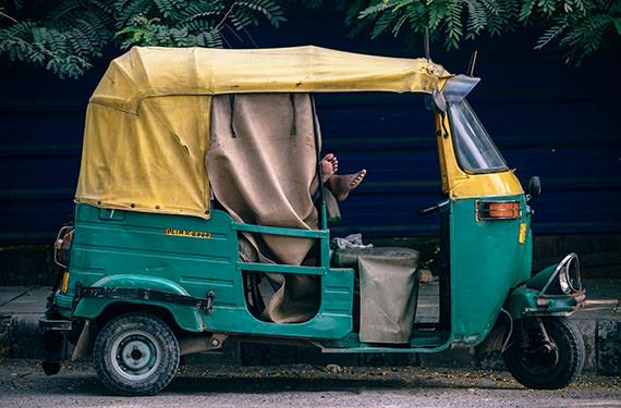 К 2030 по Индии будут ездить только электромобили