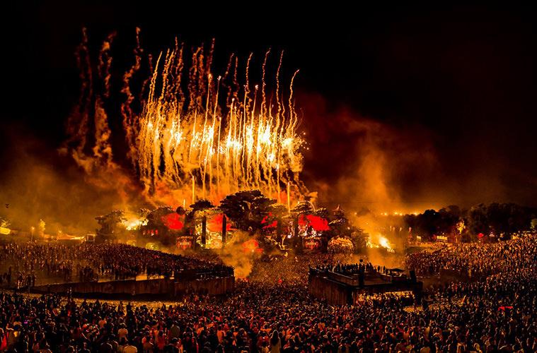 Tomorrowland - Летний календарь лучших музыкальных фестивалей Европы