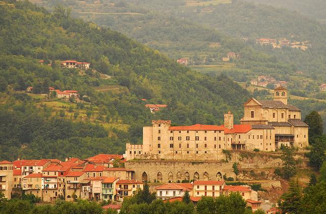 Мэрия итальянской деревни дает 2000€ новым поселенцам