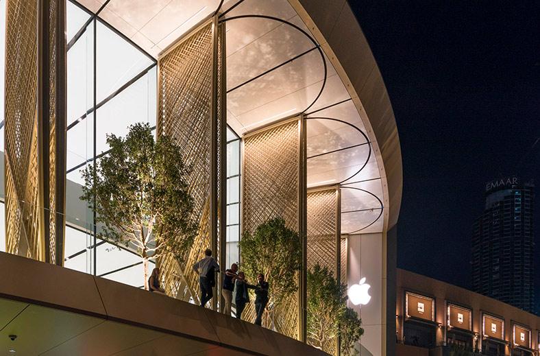 В Дубае открылся новый футуристический Apple Store