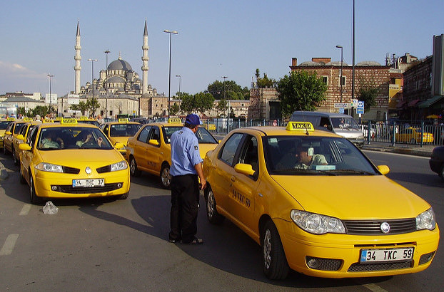 К 2019 году таксопарки Анкары и Стамбула перейдут на электромобили