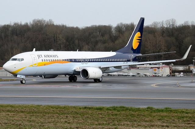 Ребенок, который родился на рейсе Jet Airways, сможет бесплатно путешествовать до конца жизни