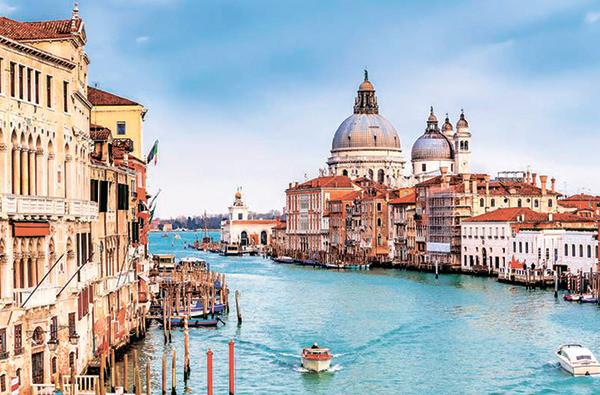 В Венеции власти запретили строить новые отели