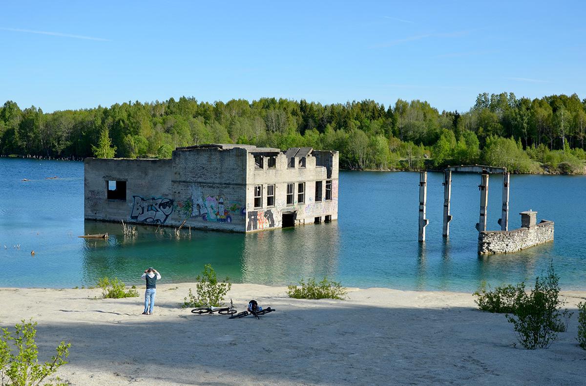 Карьер Румму и заброшенные здания, Эстония