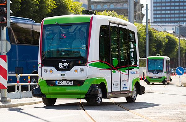 По улицам Таллина курсируют беспилотные автобусы