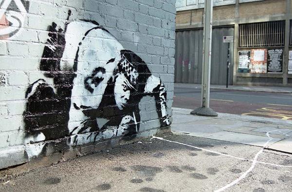 В Великобритании обнаружили спрятанную работу Banksy