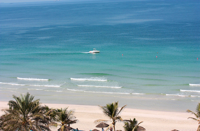 Названы лучшие направления для пляжного отдыха в октябре