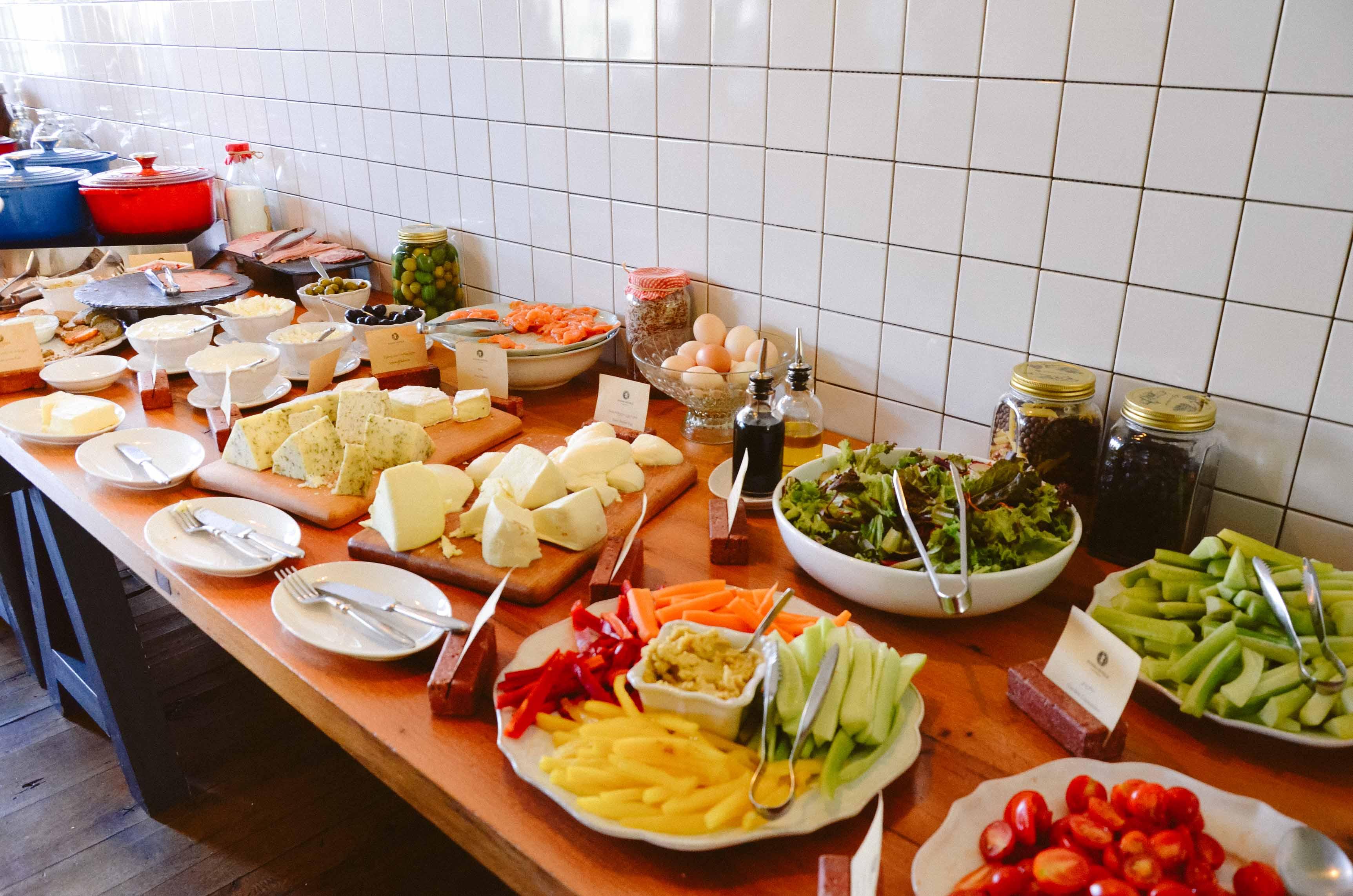 Завтрак в отеле Rooms Kazbegi