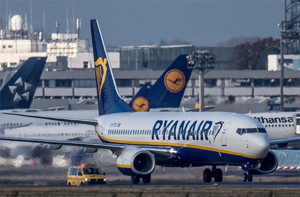 Ryanair аннулирует еще 400 тысяч забронированных билетов