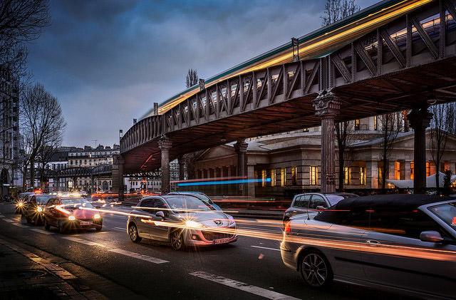В Париже будут платить водителям за количество пассажиров