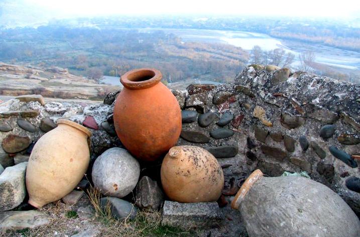 Кувшины квеври, где выдерживается вино