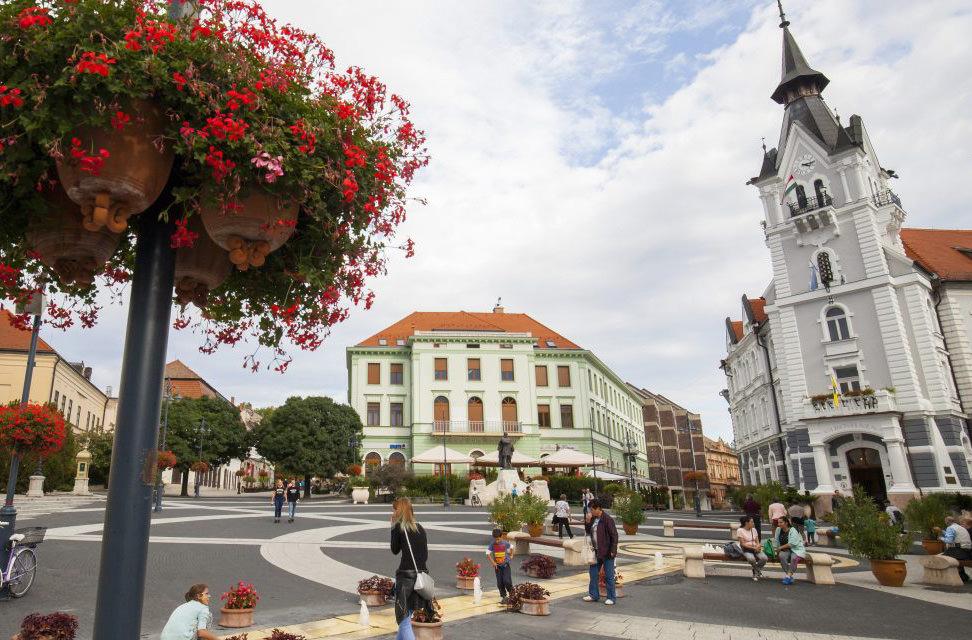 Самая красивая площадь Европы находится в Венгрии