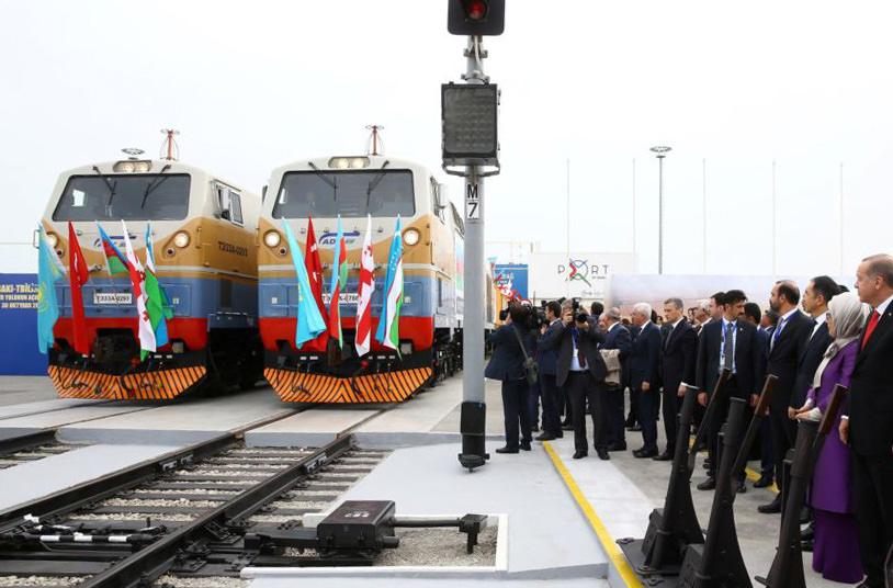Между Азербайджаном, Грузией и Турцией создали железнодорожное сообщение