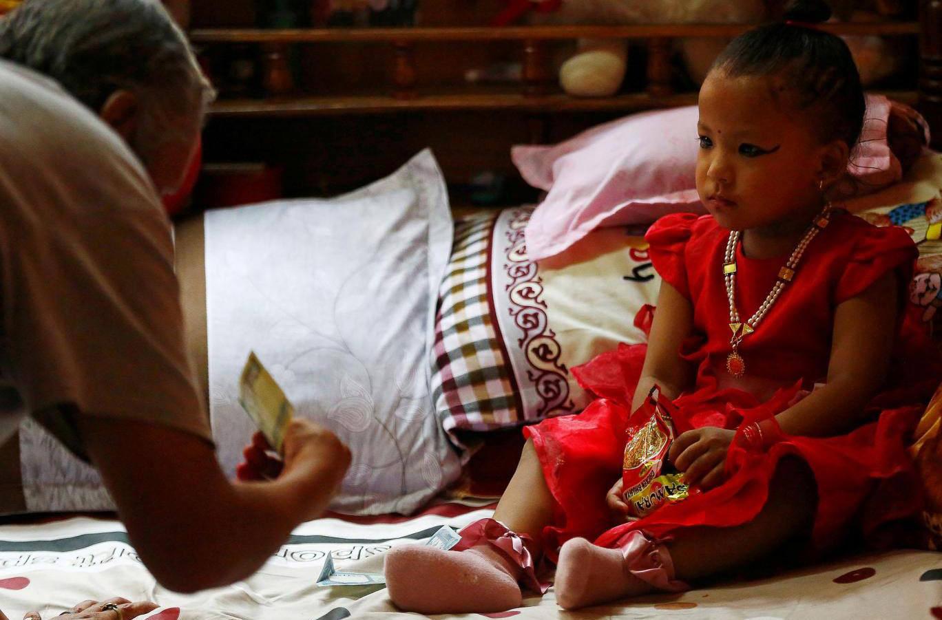 В Непале выбрали новую богиню Кумари