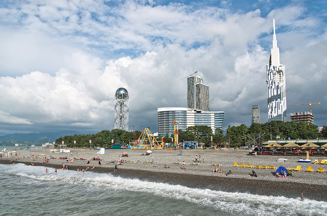 Yanair планирует летать из Львова в Батуми