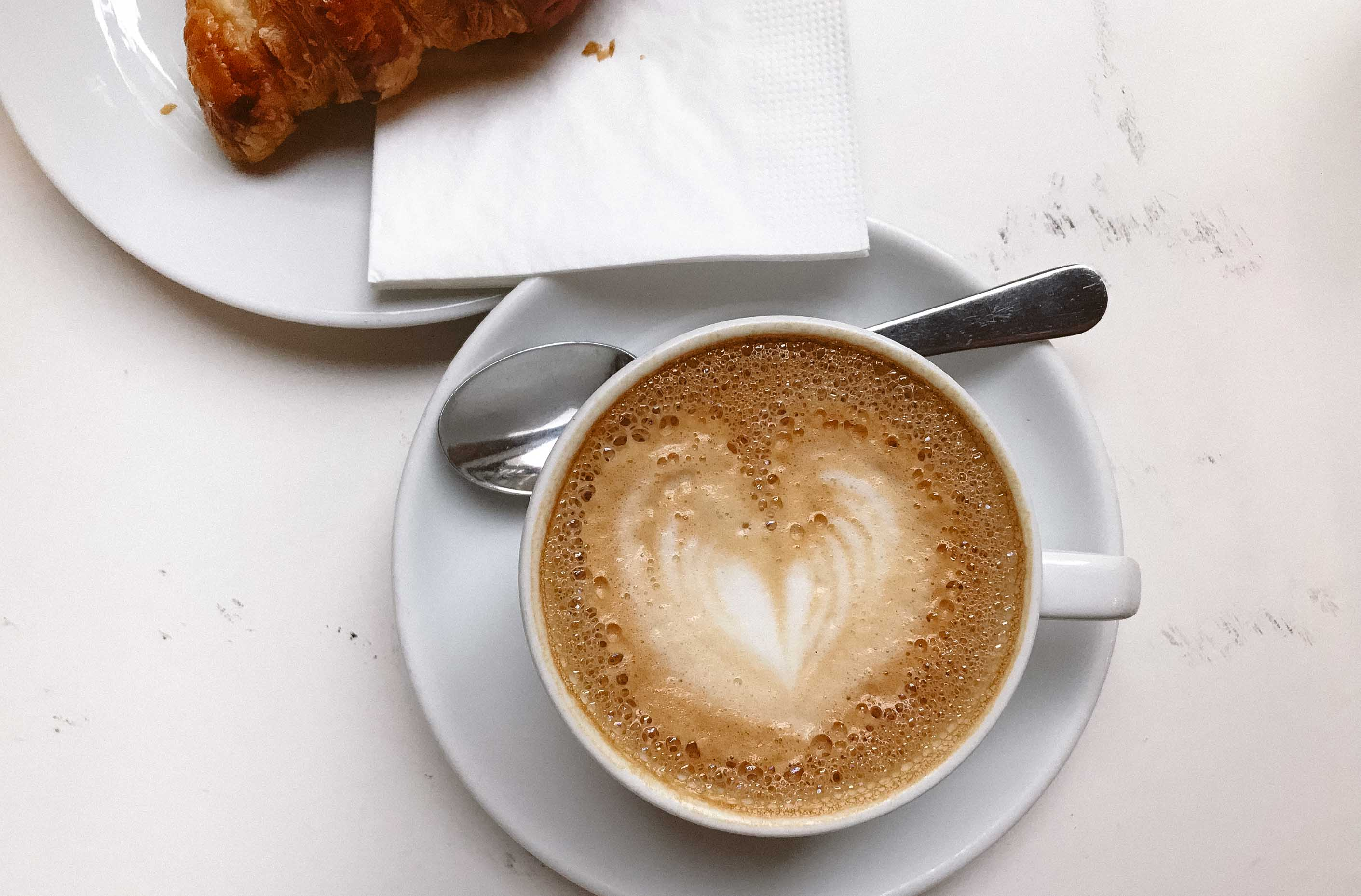 5 крутых кофешопов для фрилансеров в Будапеште - Espresso Embassy