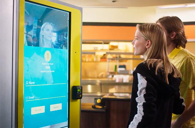 Американский ресторан установил терминал будущего для приема заказов