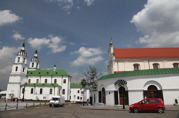 Беларусь собирается расширить безвиз для иностранцев