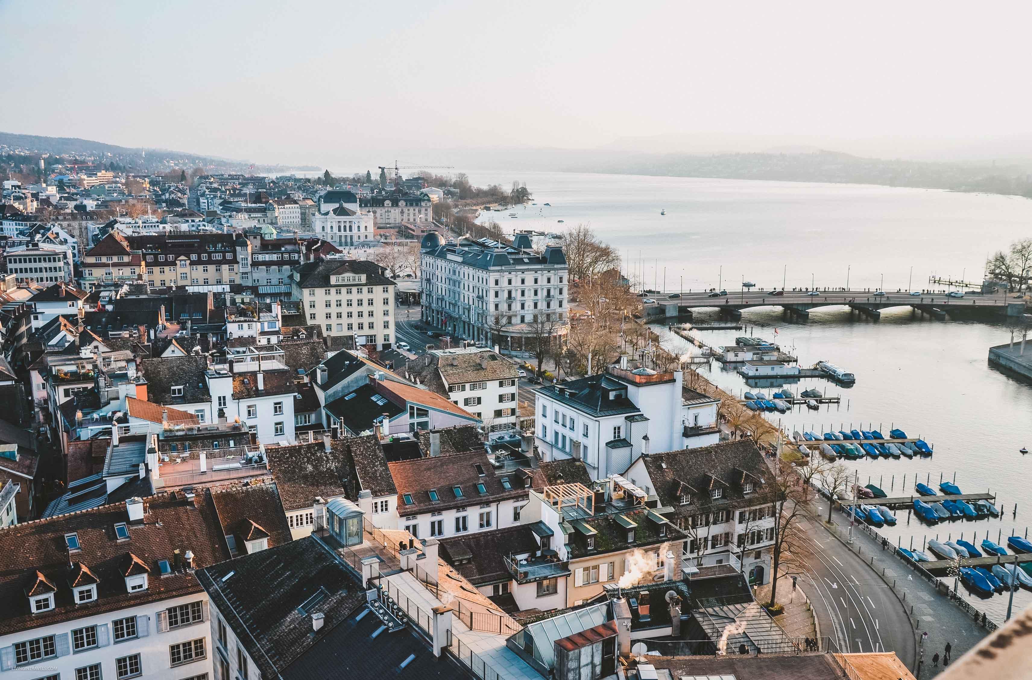 Вид на город и озеро с башни церкви Гроссмюнстер. Швейцария: Цюрих и окрестности за 48 часов