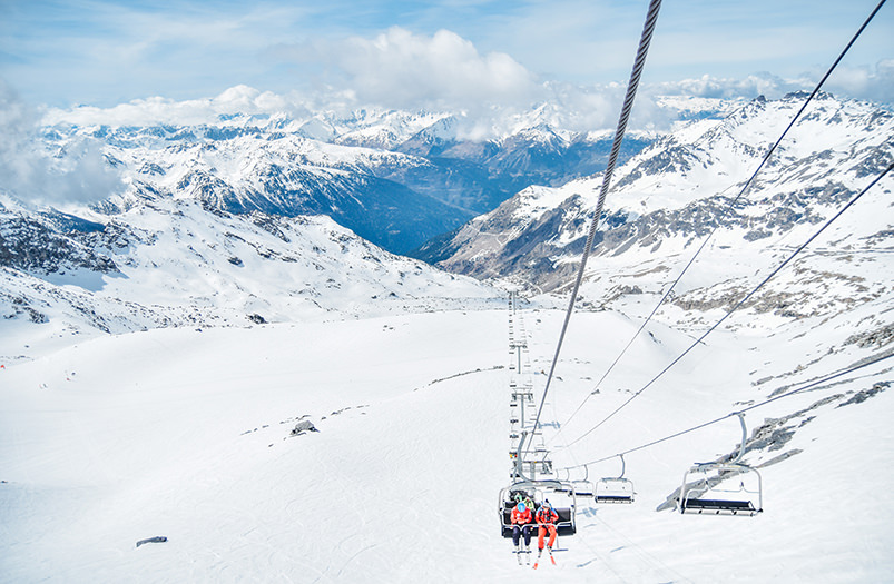 Опубликован рейтинг лучших авиакомпаний для лыжников и сноубордистов