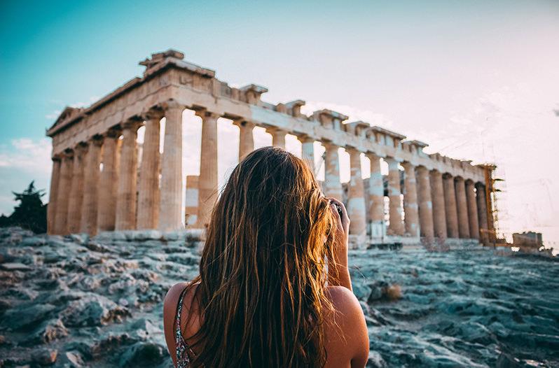 Дизайнер воссоздал древние памятники из руин