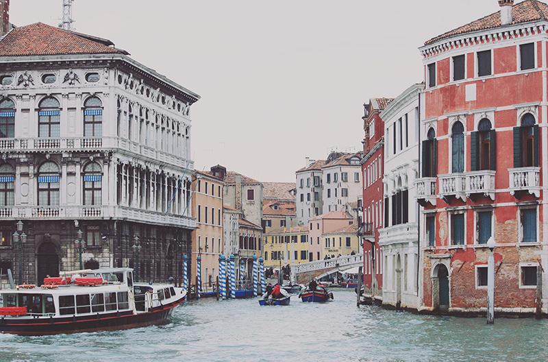 Водные автобусы Венеции переходят на экологичное топливо