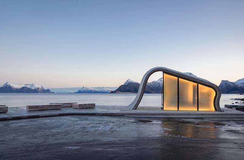 В Норвегии построили общественный туалет с уникальным видом на фьорды