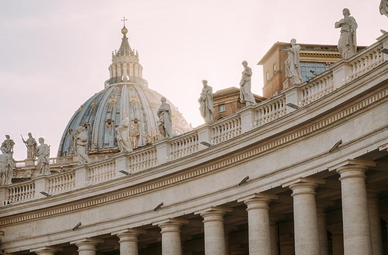 Ватикан начал проводить экскурсии поздним вечером