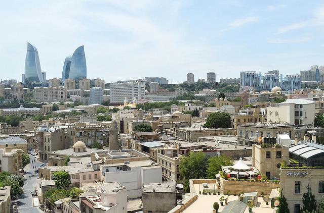 Железнодорожный маршрут Харьков-Баку был продлён до Киева