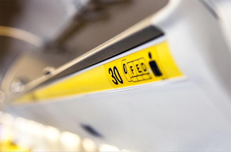 Исследователи рекомендуют авиакомпаниям не разделять семьи в самолётах