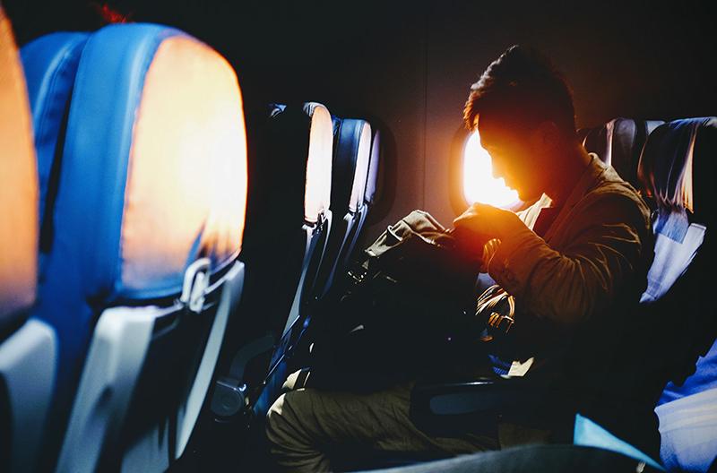 Названы самые неприятные типы попутчиков в самолёте
