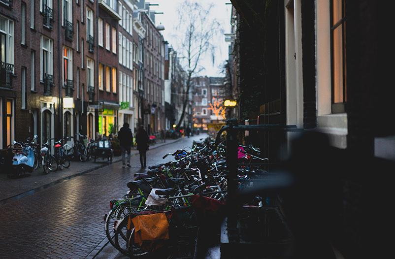 Въезд в центр Амстердама на авто может стать платным
