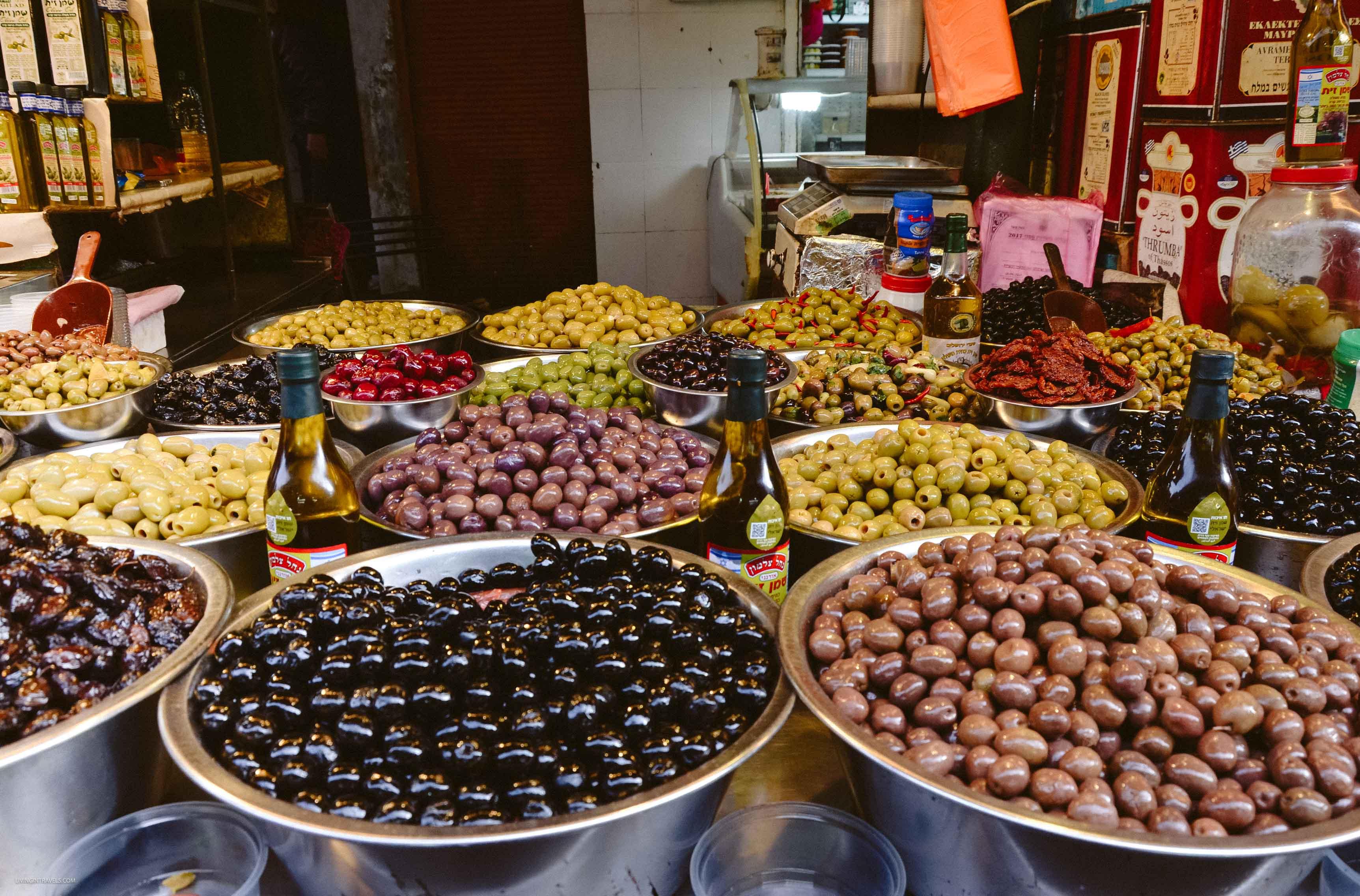 Вкусненькое из Израиля или что купить на рынке Кармель в Тель-Авиве