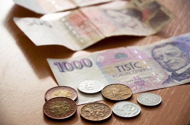 Картинки по запросу Новые правила обмена валют вводят в Чехии