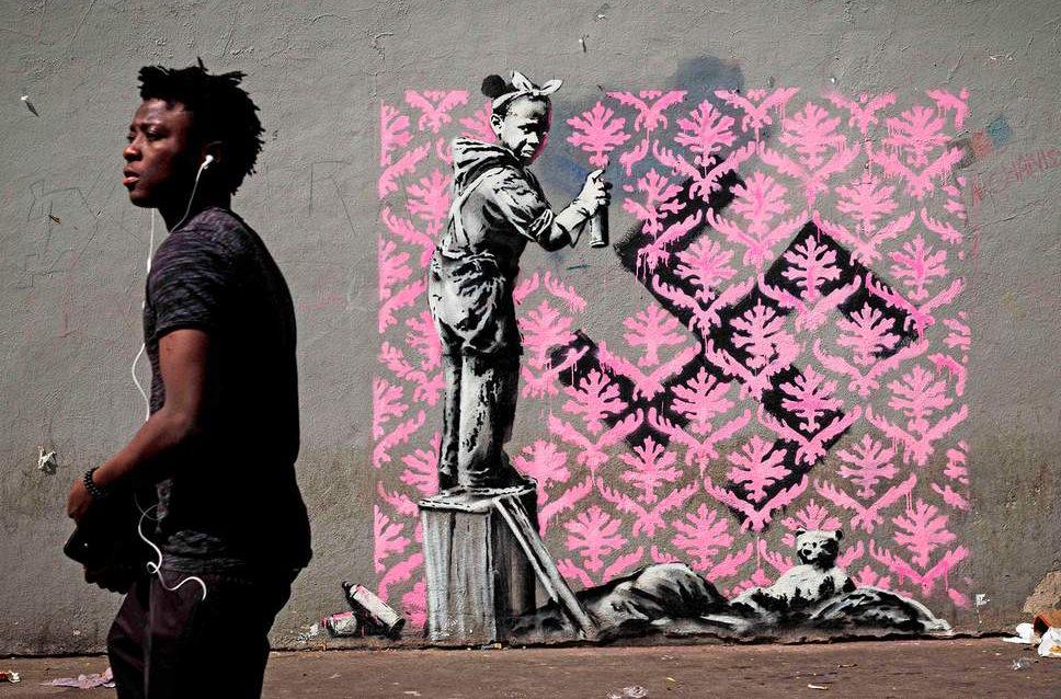 В Париже появились новые работы художника Banksy